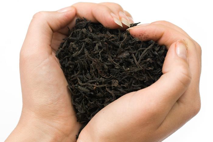 black-tea-main-coeur.jpg